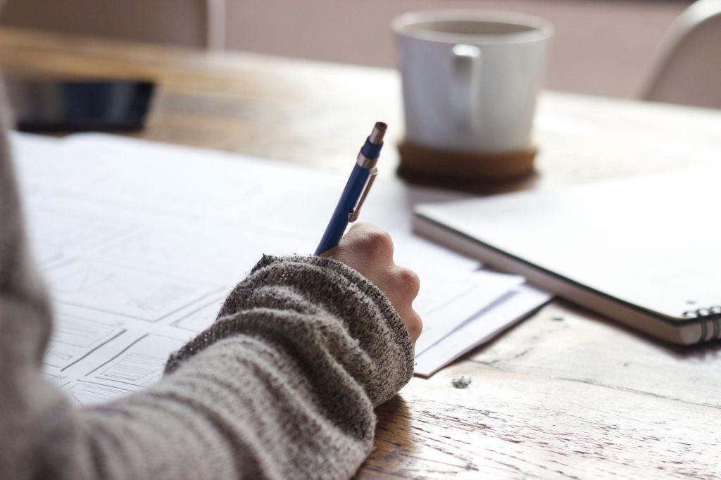 4.2. Jadikan contoh Puisi Pendek Sebagai Inspirasi Konten Anda